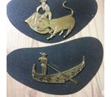 VENDO dos piezas de bronce vintage cinceladas a mano