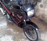 Hermosa Moto Kawasaki Ninja 250